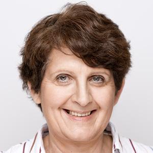 Portrait Dr. Brigitte Holzhauer